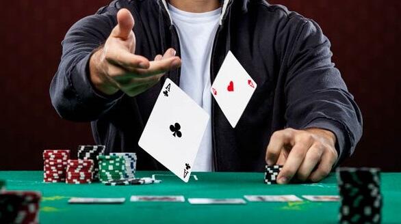 Aprende las estrategias básicas del poker