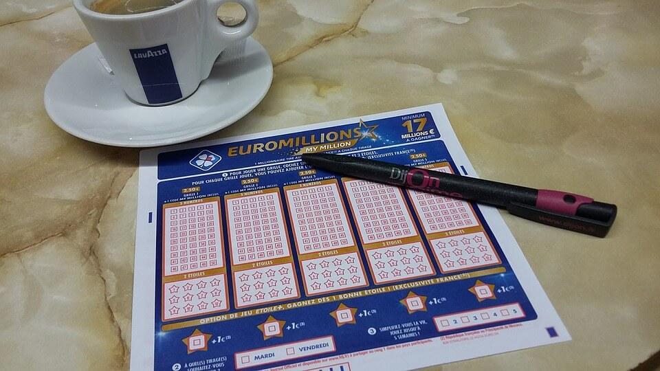 En Casino en Vivo te aconsejamos para elegir números ganadores y aumentar tus probabilidades de ganar en la lotería